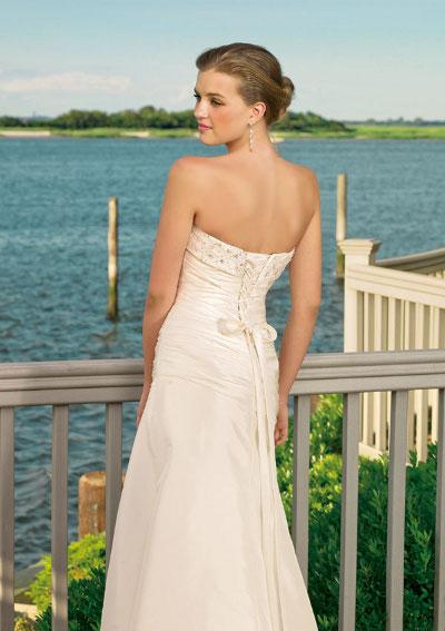 Výprodej svatebních šatů - Mori Lee 6306, bílá barva, vel. 38 - 40, cena 2.000 Kč