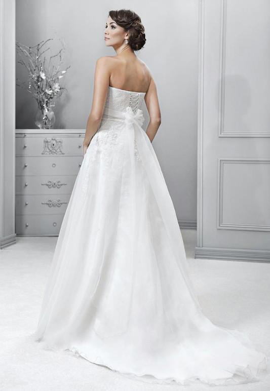 Výprodej svatebních šatů - Agnes14101, bílá barva, vel. 38 - 40, cena 8.000 Kč