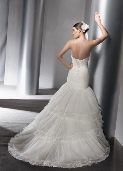 Výprodej svatebních šatů - Elianna Moore 1141, bílá barva, vel. 34 - 36, cena 4.000 Kč