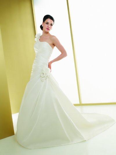 Výprodej svatebních šatů - Elianna Moore 1038, ivory, vel.38, cena 5.000 Kč