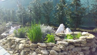 Prakticky jsem si bylinky dala blíže k terase, abych nemusela až ke spirále
