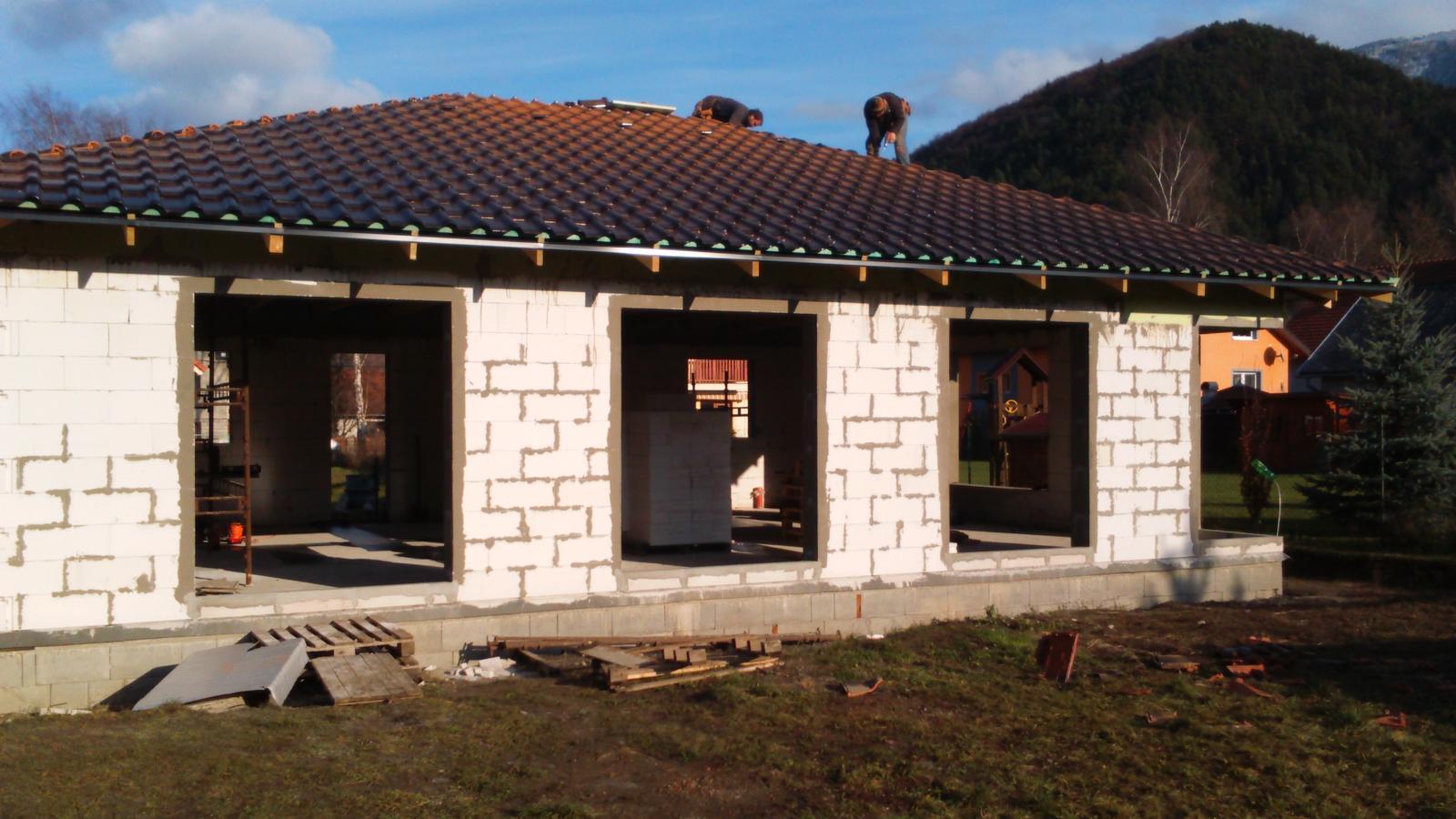 Náš nový domov - ešte stále dorábame strechu