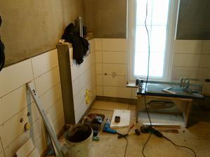 pracuje sa aj na kúpeľni.