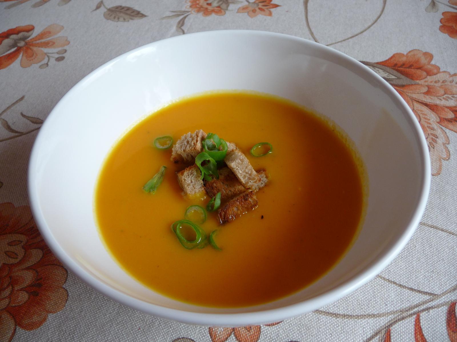 Z mého kuchařského deníku - dýňová polévka z poslední zásoby