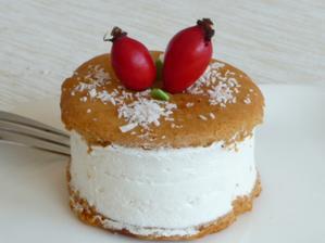 Podzimní variace dortíků - tentokrát těsto jako na medovník.