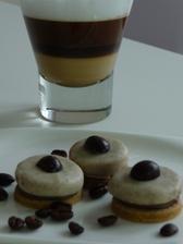moka kolečka se zrnkem kávy v čokoládě