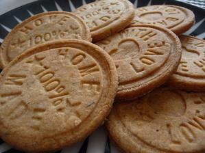 skořicovo- oříškové sušenky