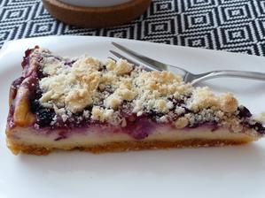 tvarohový koláč s lesním ovocem