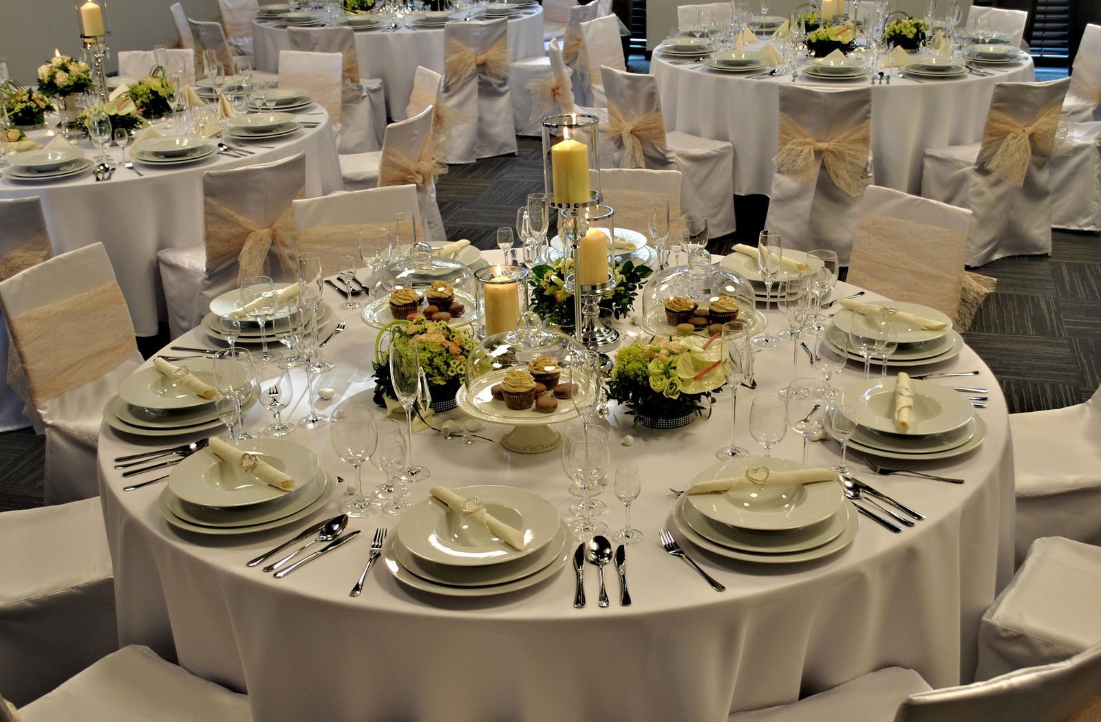Svadba 26.09.2015 - Budu okruhle stoly, bezova vyzdoba.. tuto fotku mi poslali len z hotela na ukazku ako to asi vyzera..