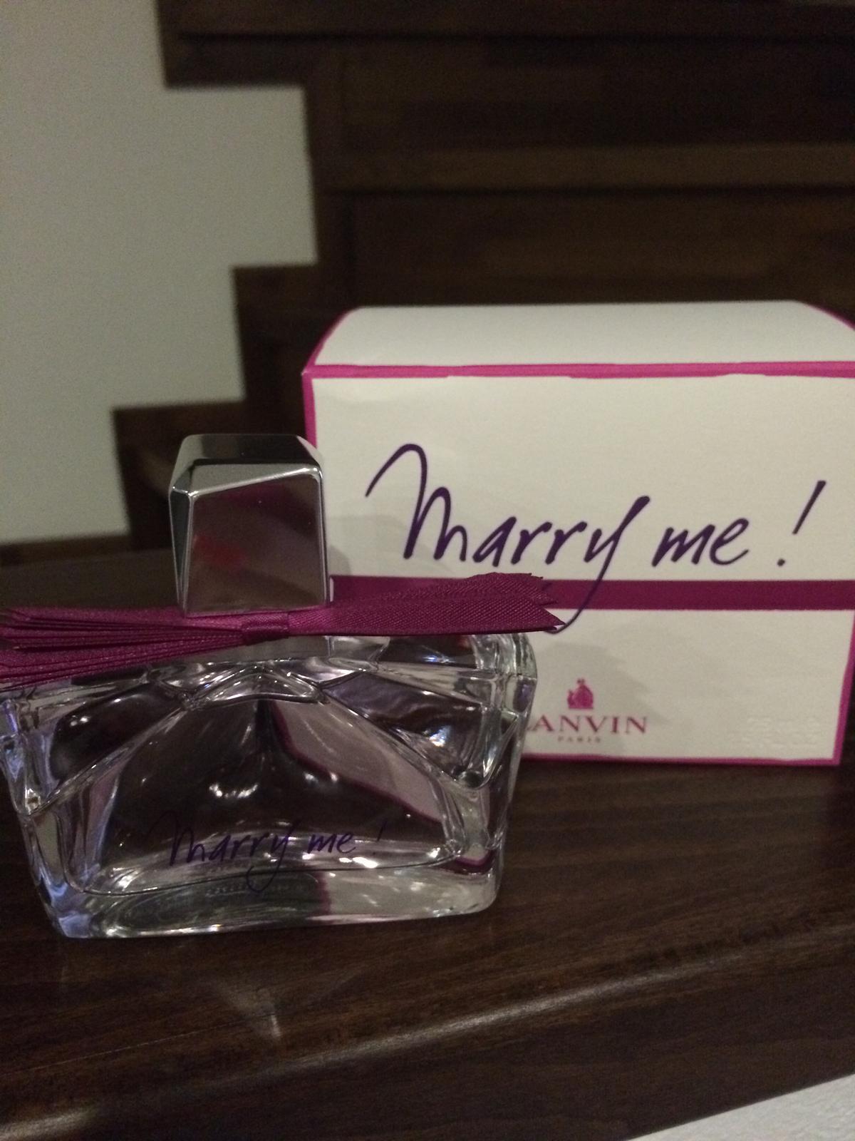 Svadba 26.09.2015 - Ospevovala som tento parfem a drahy mi ho kupil :-) inak vraj sa tieto vonavocky prestavaju vyrabat.. Tak sup sup zienky kupovat na svadbu kym je :-))