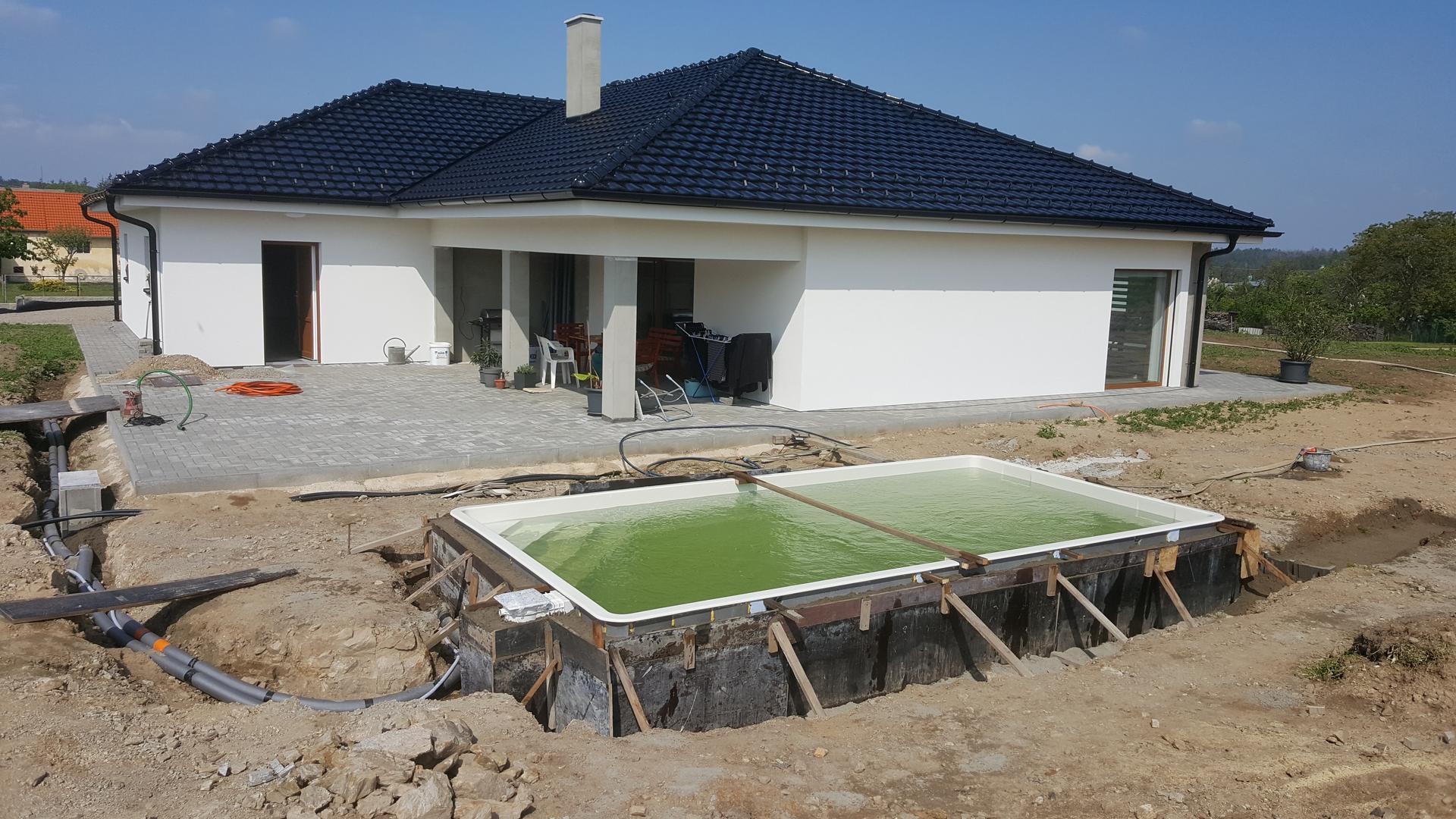 Náš dům pokračování - Ta voda je nějaká zelená