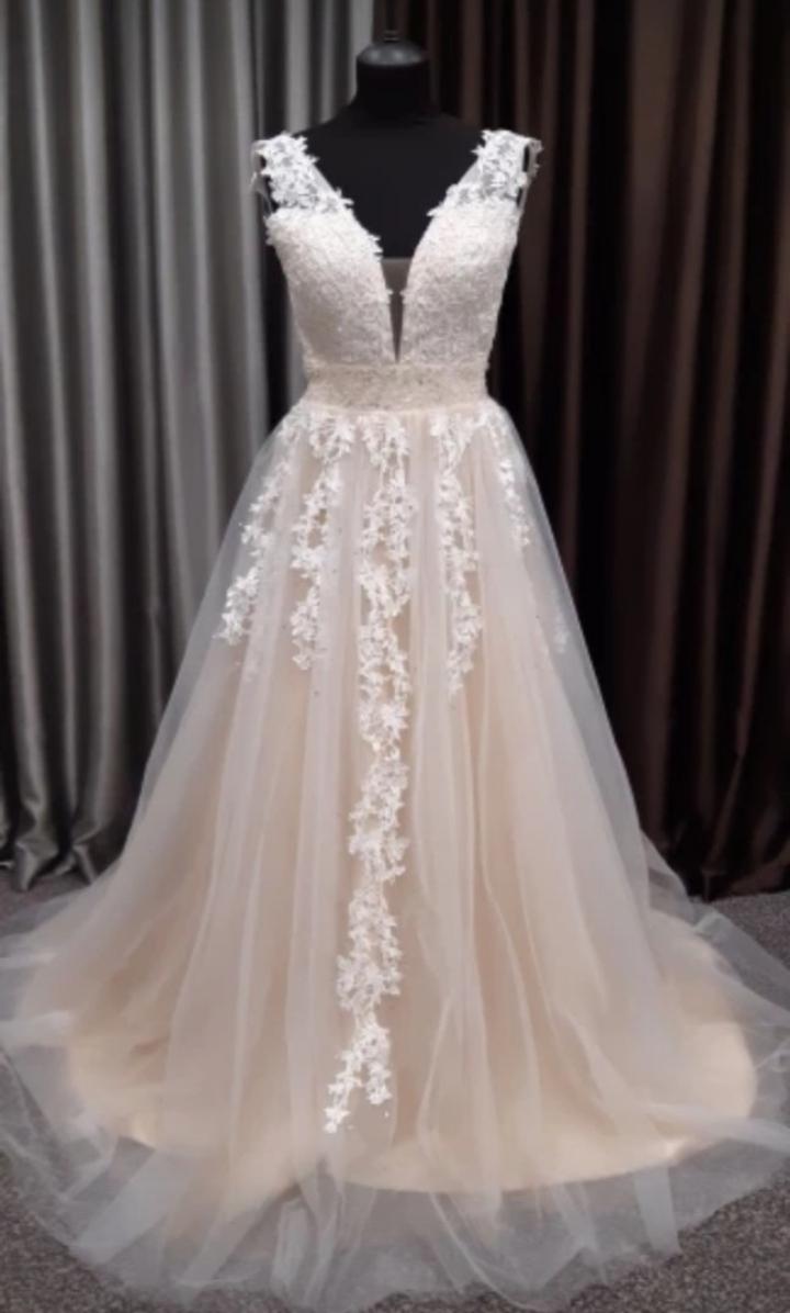 Svadobné šaty s krajkou - Obrázok č. 4