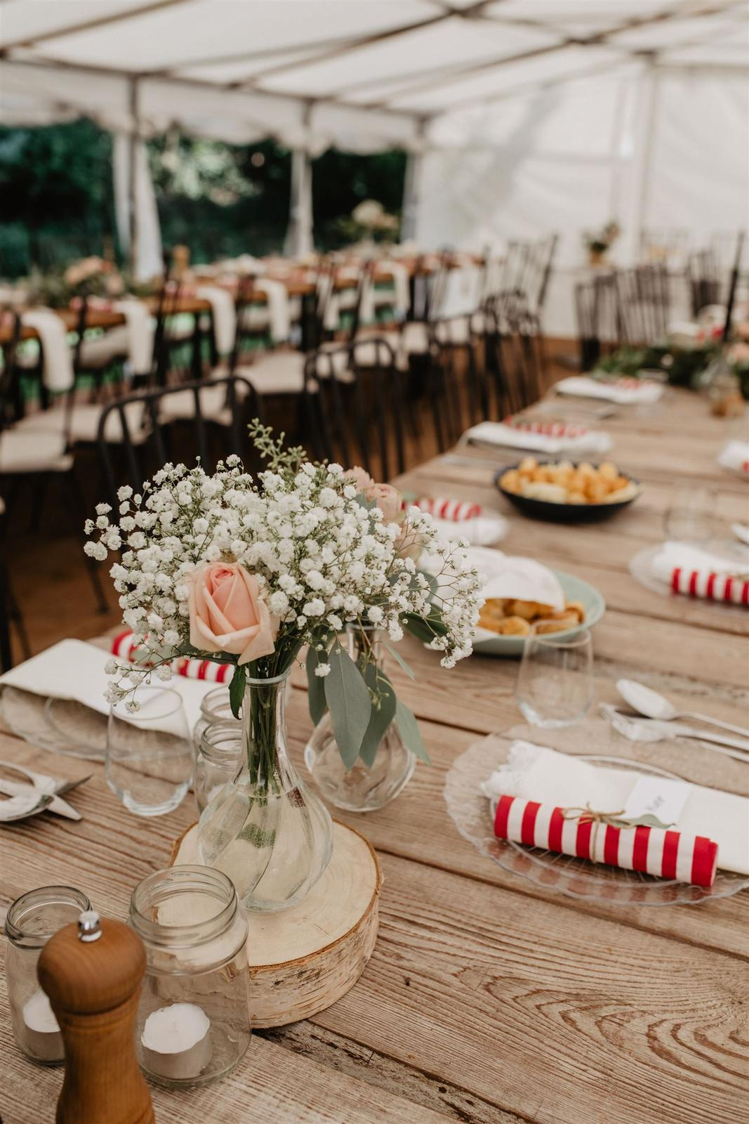 Krásna a romantická svadobná party v záhrade reštaurácie Bistra Dukát - Le Gout v srdci B. Bystrice. - Obrázok č. 3