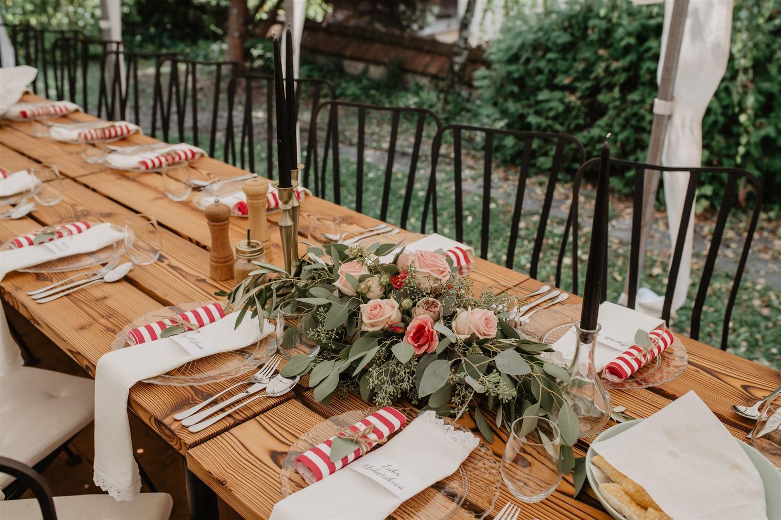 Krásna a romantická svadobná party v záhrade reštaurácie Bistra Dukát - Le Gout v srdci B. Bystrice. - Obrázok č. 4