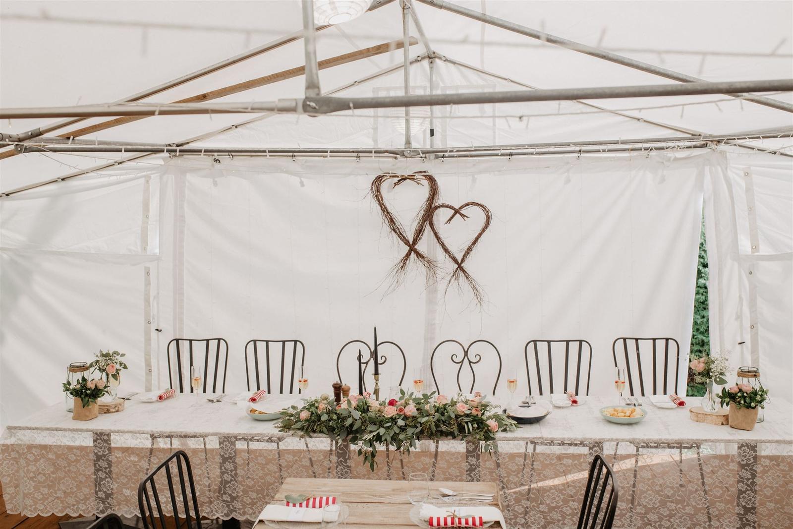 Krásna a romantická svadobná party v záhrade reštaurácie Bistra Dukát - Le Gout v srdci B. Bystrice. - Obrázok č. 5