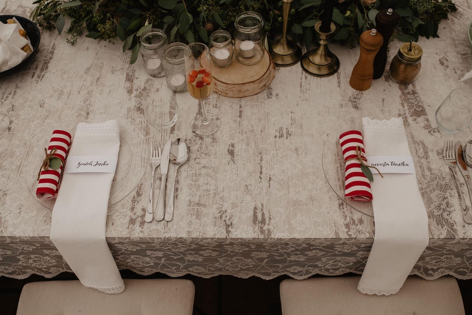 Krásna a romantická svadobná party v záhrade reštaurácie Bistra Dukát - Le Gout v srdci B. Bystrice. - Obrázok č. 7