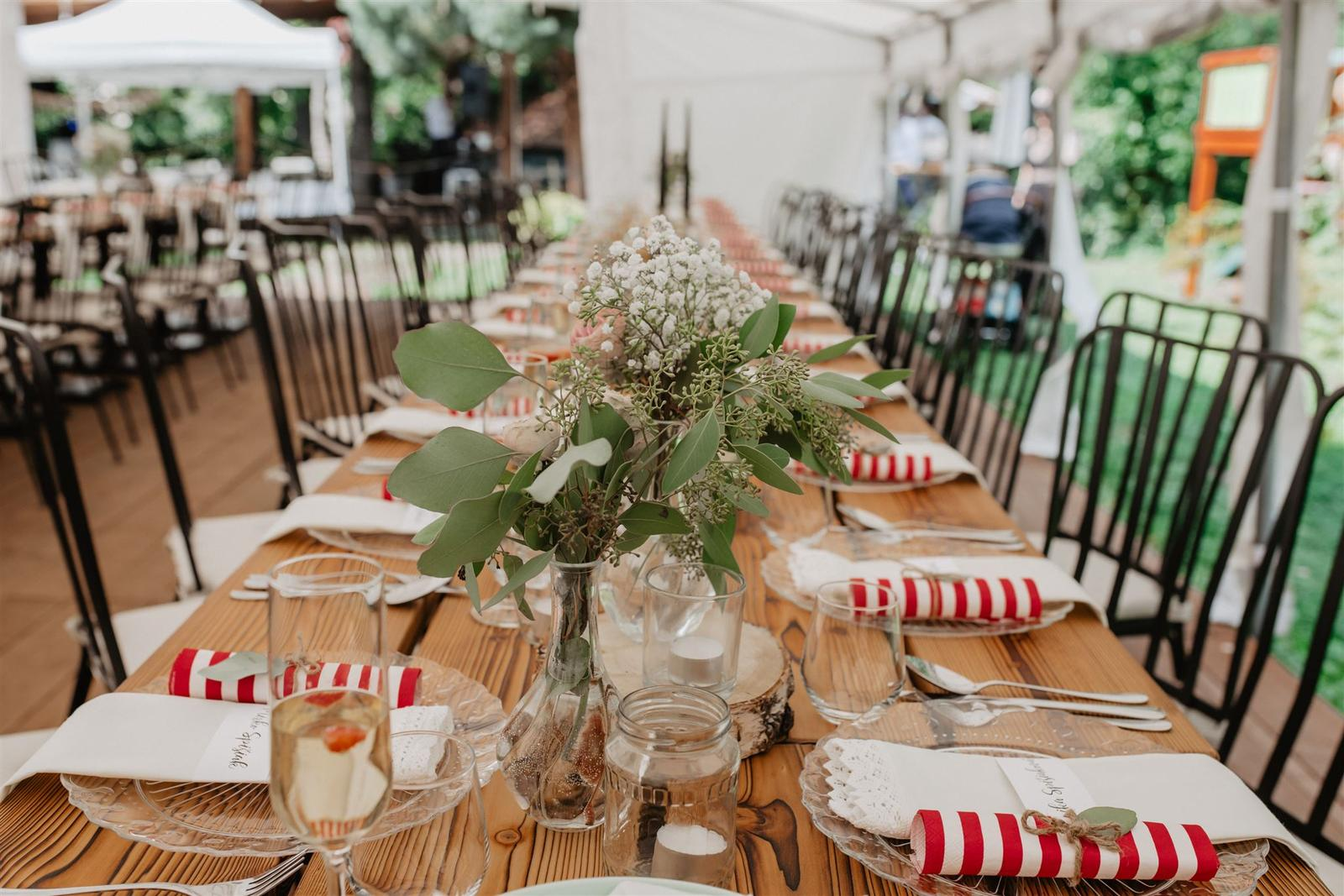 Krásna a romantická svadobná party v záhrade reštaurácie Bistra Dukát - Le Gout v srdci B. Bystrice. - Obrázok č. 11