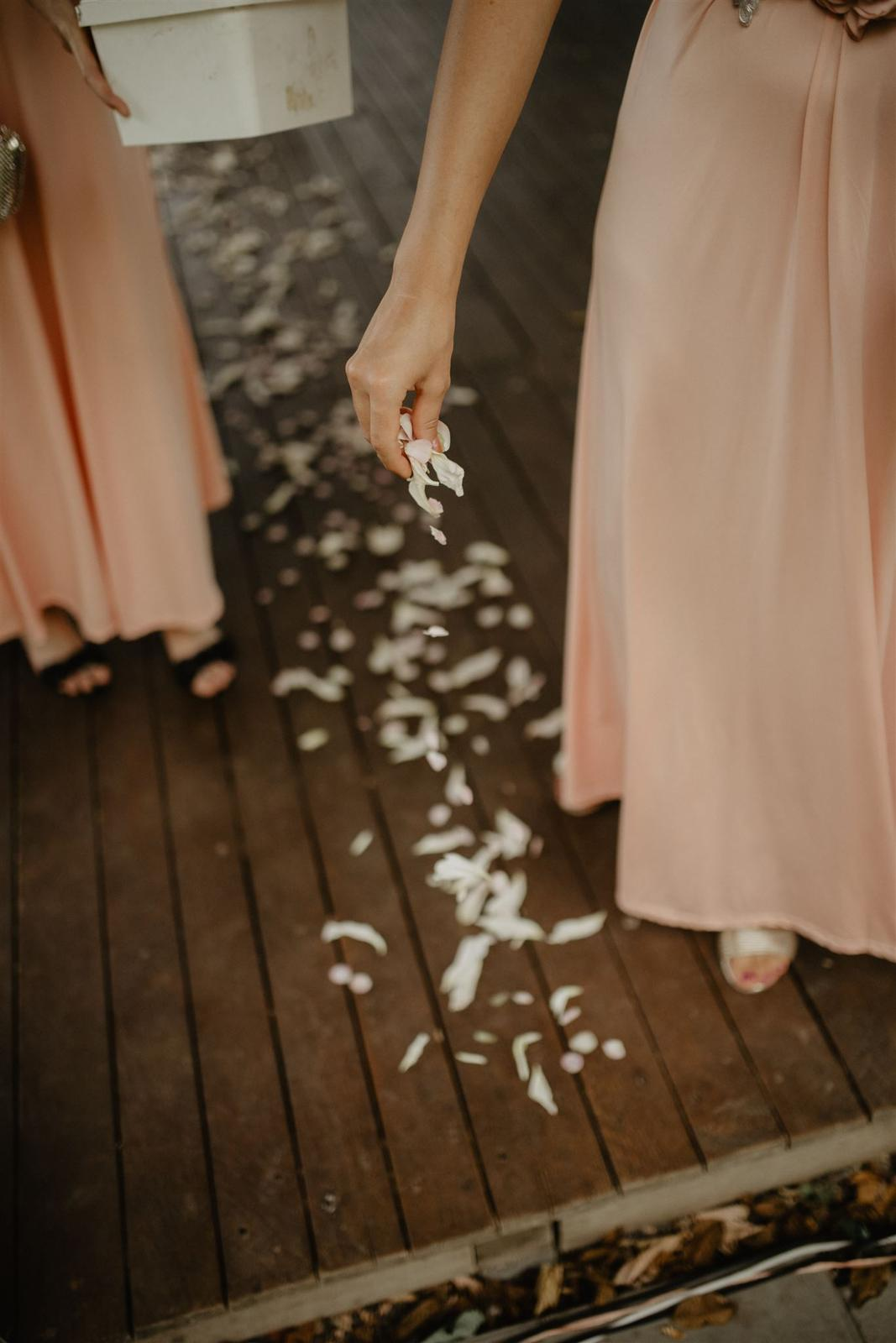 Krásna a romantická svadobná party v záhrade reštaurácie Bistra Dukát - Le Gout v srdci B. Bystrice. - Obrázok č. 13