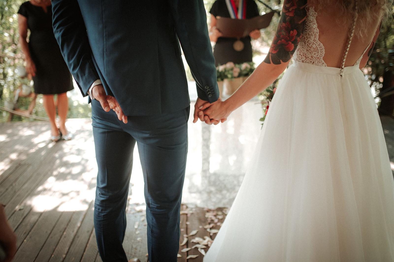 Krásna a romantická svadobná party v záhrade reštaurácie Bistra Dukát - Le Gout v srdci B. Bystrice. - Obrázok č. 14