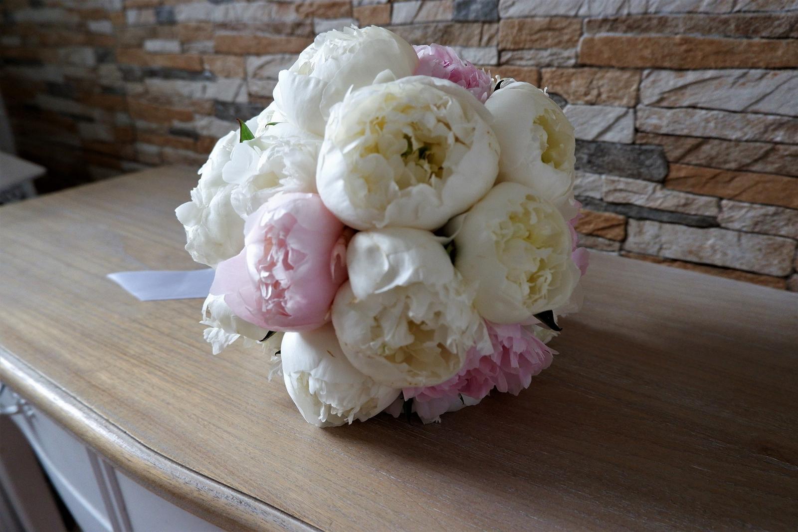 Jemná ružová svadobná výydoba v kultúrnom dome - Obrázok č. 1