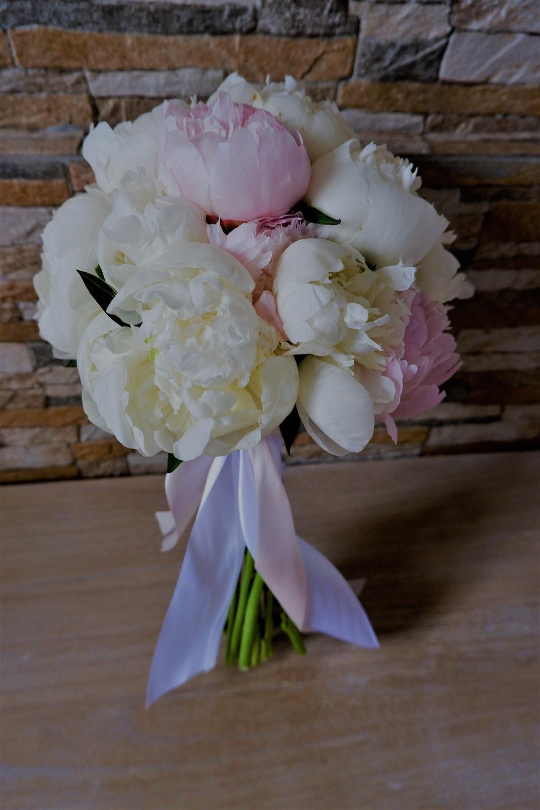 Jemná ružová svadobná výydoba v kultúrnom dome - Obrázok č. 2