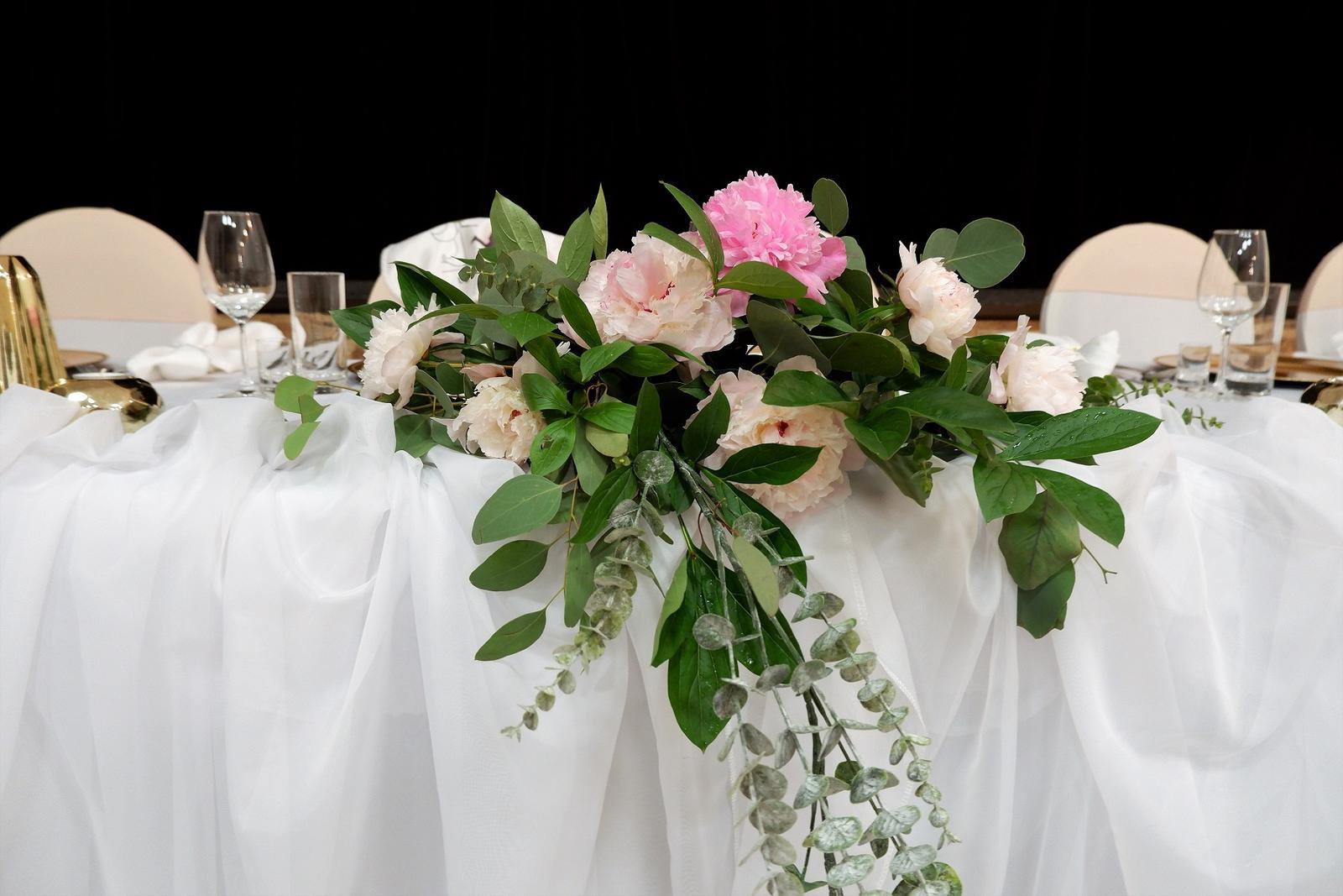 Jemná ružová svadobná výydoba v kultúrnom dome - Obrázok č. 3