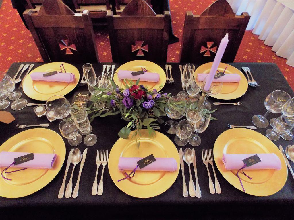 svetlofialové saténové obrúsky na stôl - Obrázok č. 2
