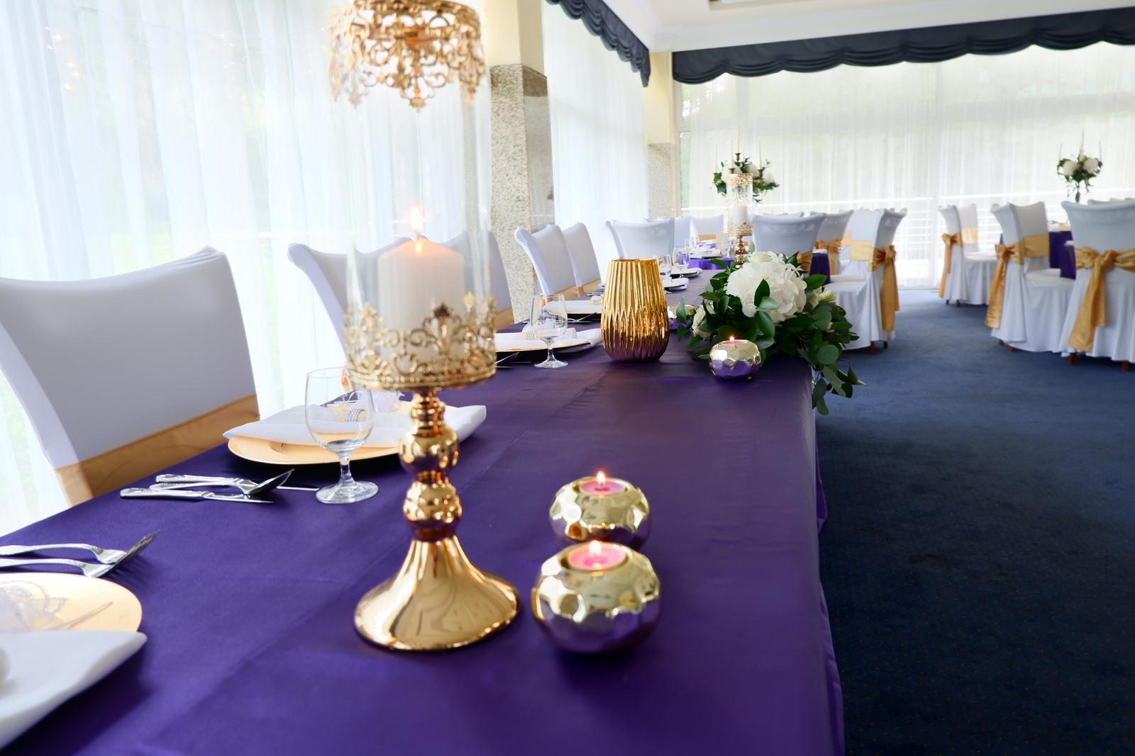 Tmavofialovy obrus na okrúhly stôl - Obrázok č. 3