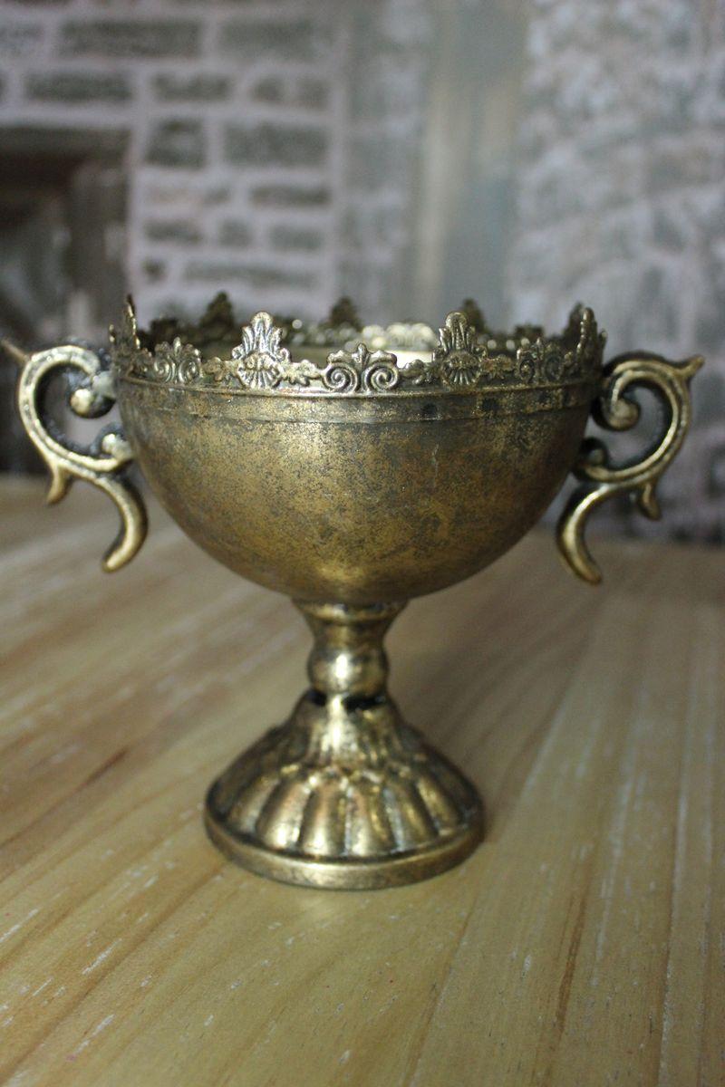 staro-zlatá váza s uškami na stopke - Obrázok č. 1