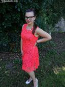 Oranžovo-červené krajkové šaty, 42