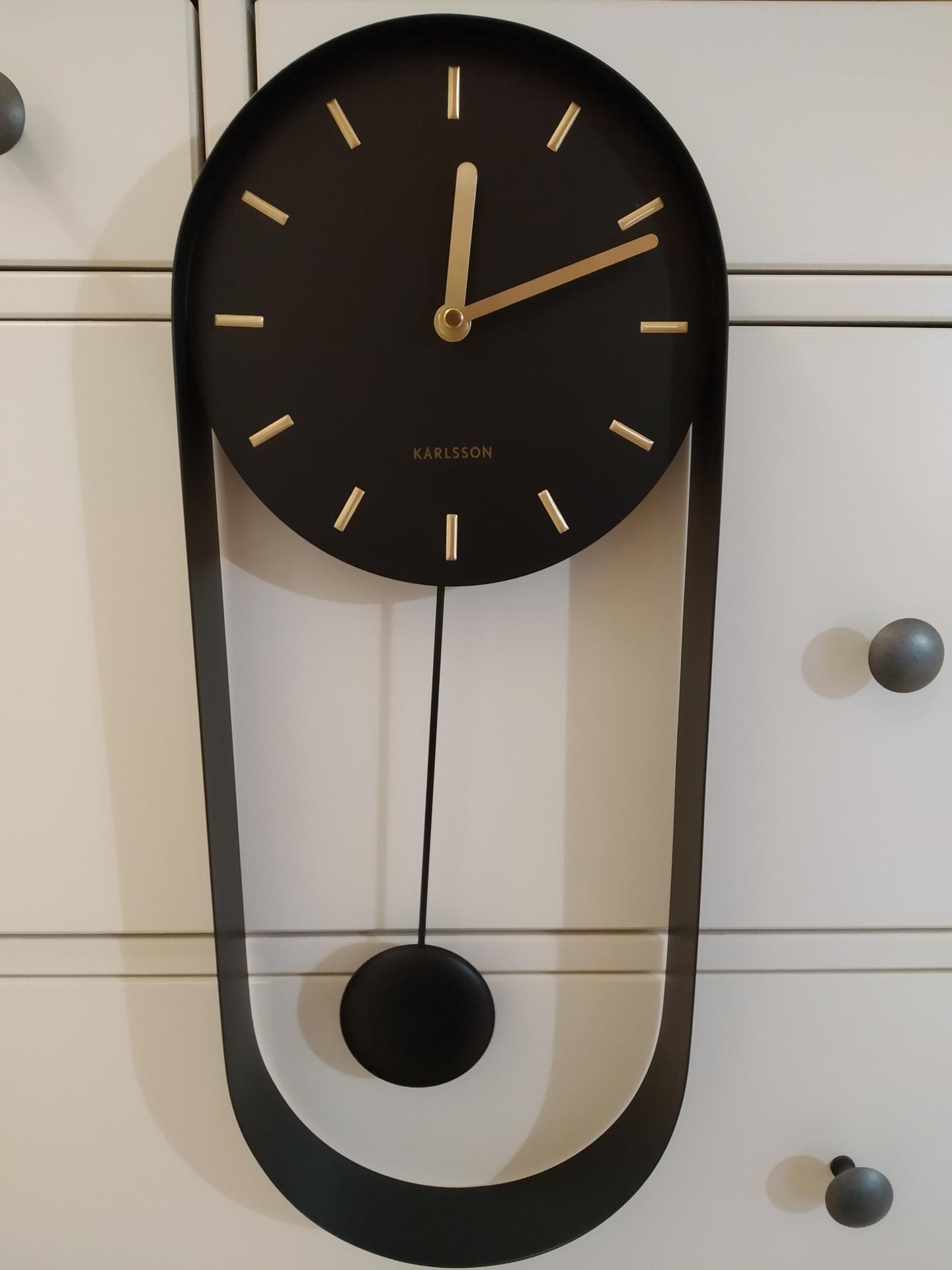 Das Haus - Nastenne kyvadlove hodiny Karlsson. Prva funkcna dekoracia do domu. Aj vy ste v predstihu kupovali veci do interieru, ci len ja sa nevied dockat? :)