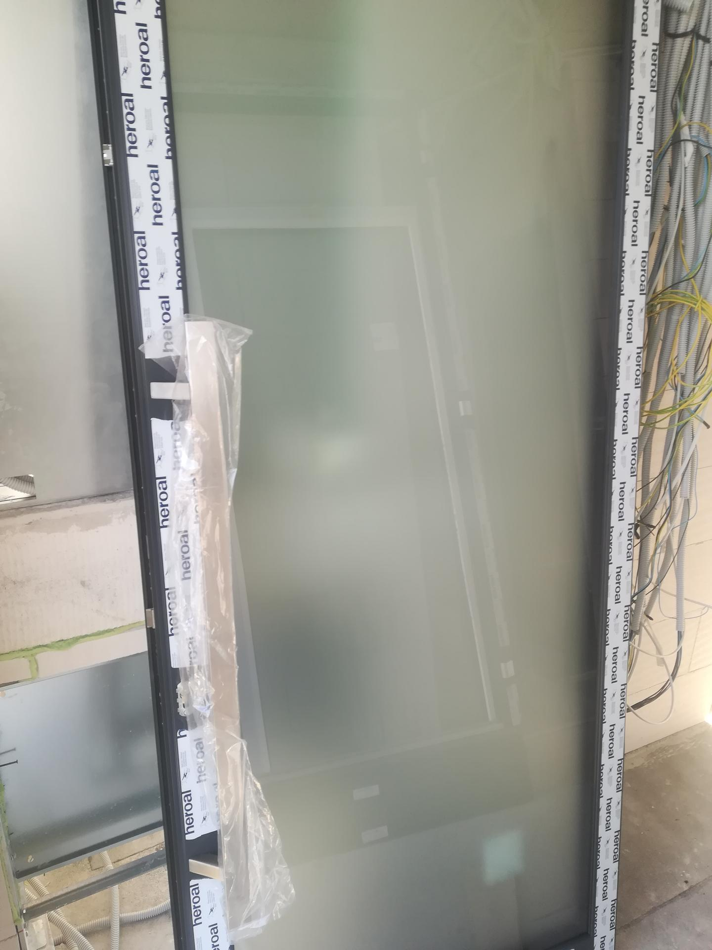 Das Haus - Vstupne dvere - mliecne sklo.