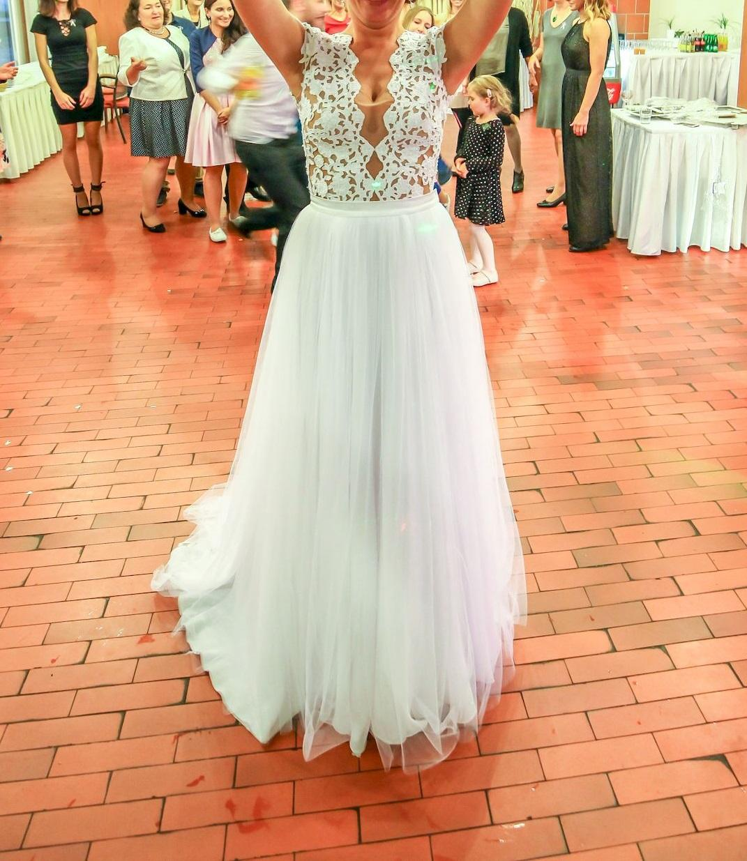 Luxusní svatební šaty 36/38 - Obrázek č. 4