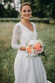 Dlouhé šaty z hedvábí a sicilské krajky, 36