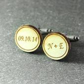 Manžetové gombíky s dátumom svadby a iniciálkami,