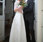 Svadobný top a sukňa šité na mieru, 36