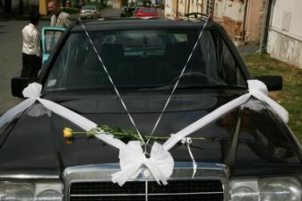 výzdoba auta ženicha - inspirace