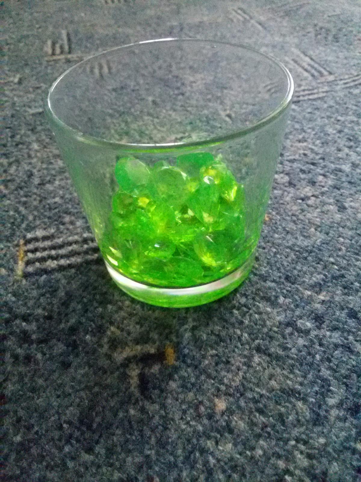 Dekorační kamínky světle zelené - Obrázek č. 3