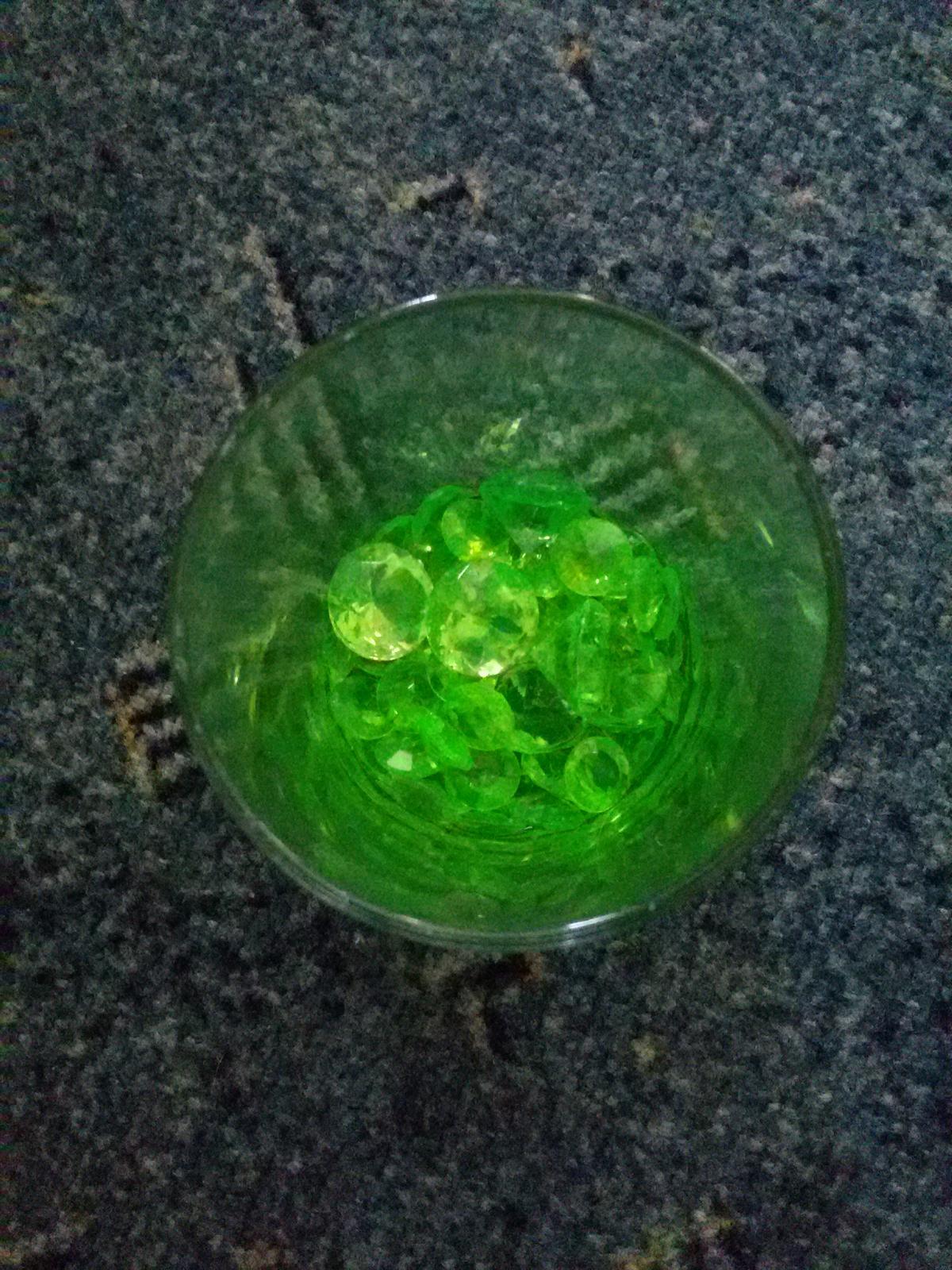 Dekorační kamínky světle zelené - Obrázek č. 2