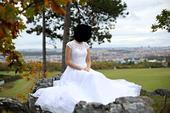 svatební šaty s vlečkou, vyšívané, 38