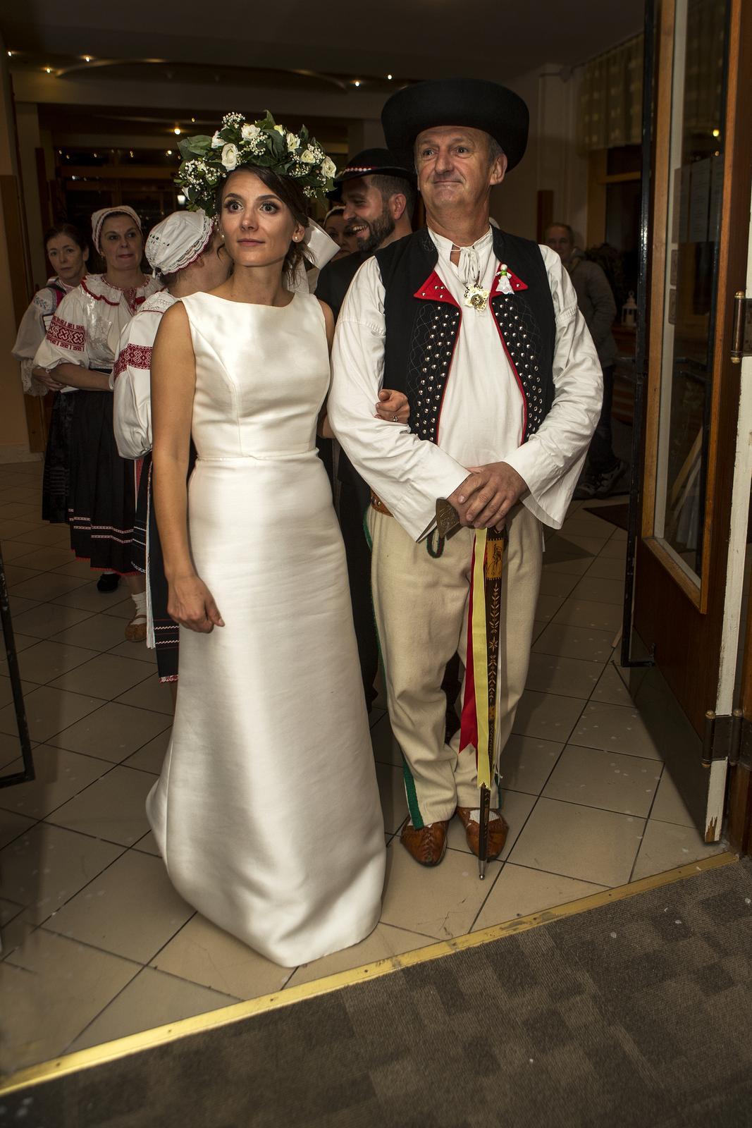 kvalitné svadobné šaty rosa clara  - Obrázok č. 3
