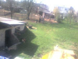 pohlad na zahradu a murovanu pivnicu
