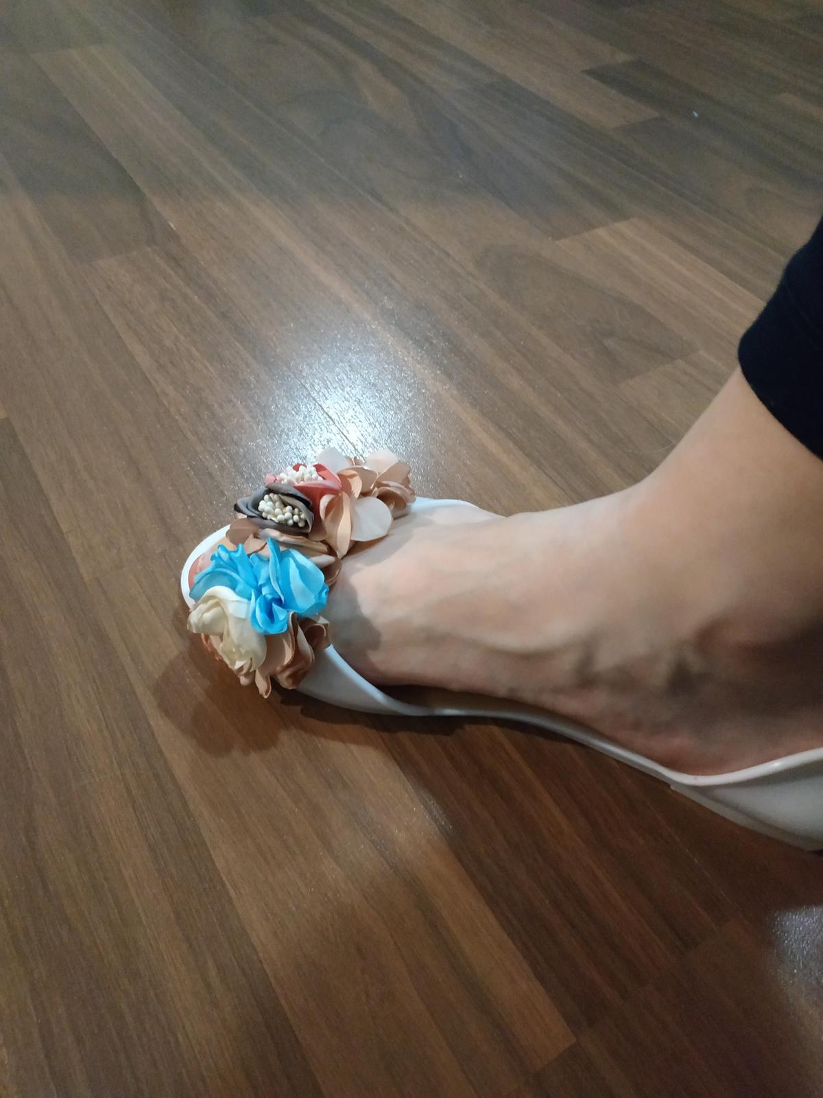 Boty s modrýma kytičkama - Obrázek č. 3