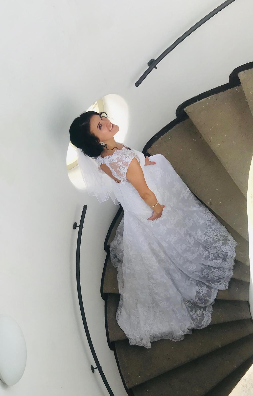 luxusní krajkové svatební šaty, pc.25tis,vel 36-38 - Obrázek č. 1