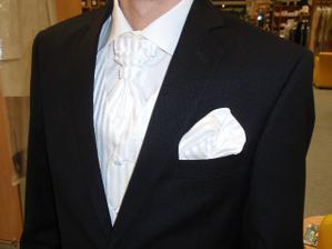 Detail polokravaty s vestou