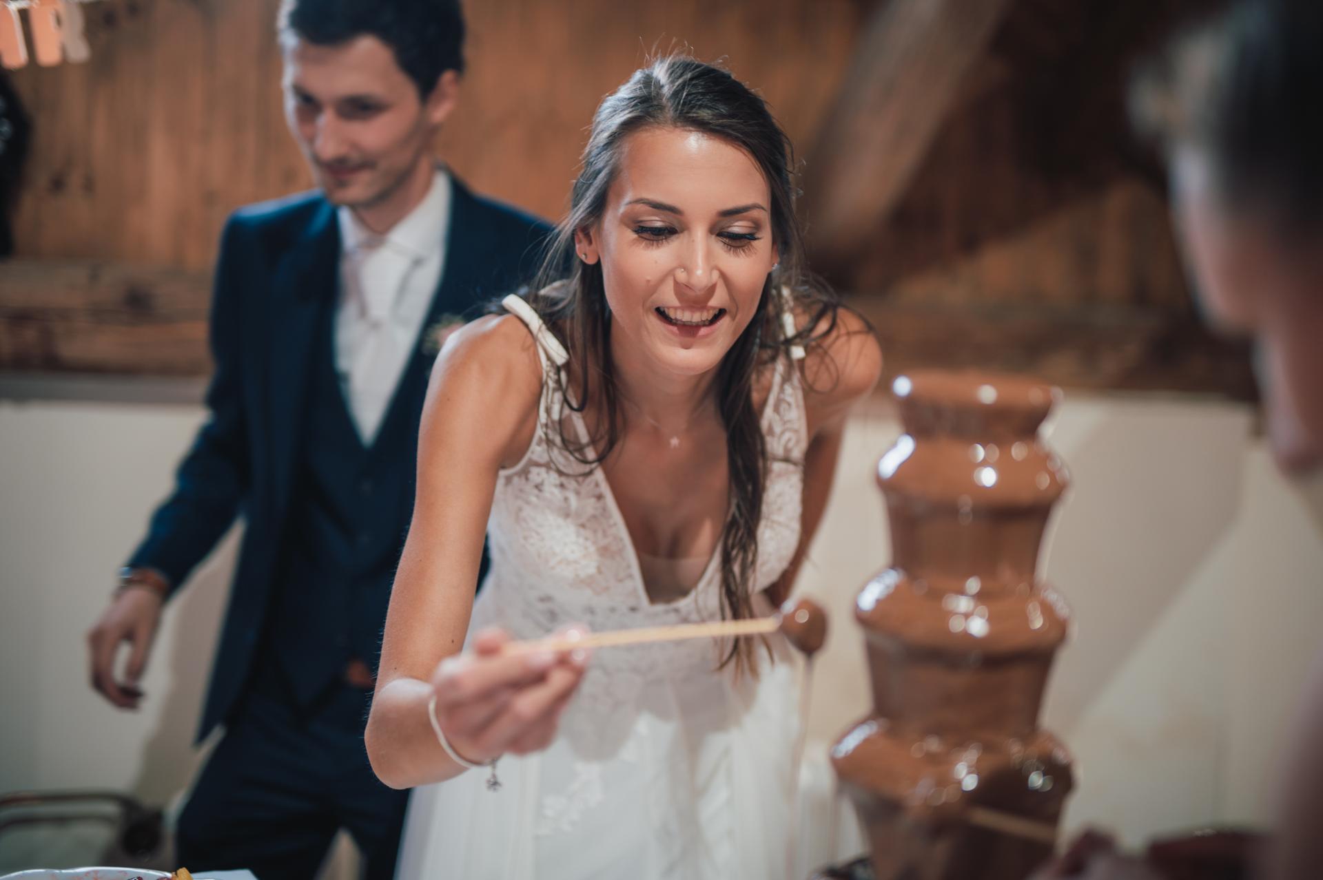 Naše další svatební fotografie - Čokoládová fontána měla úspěch.