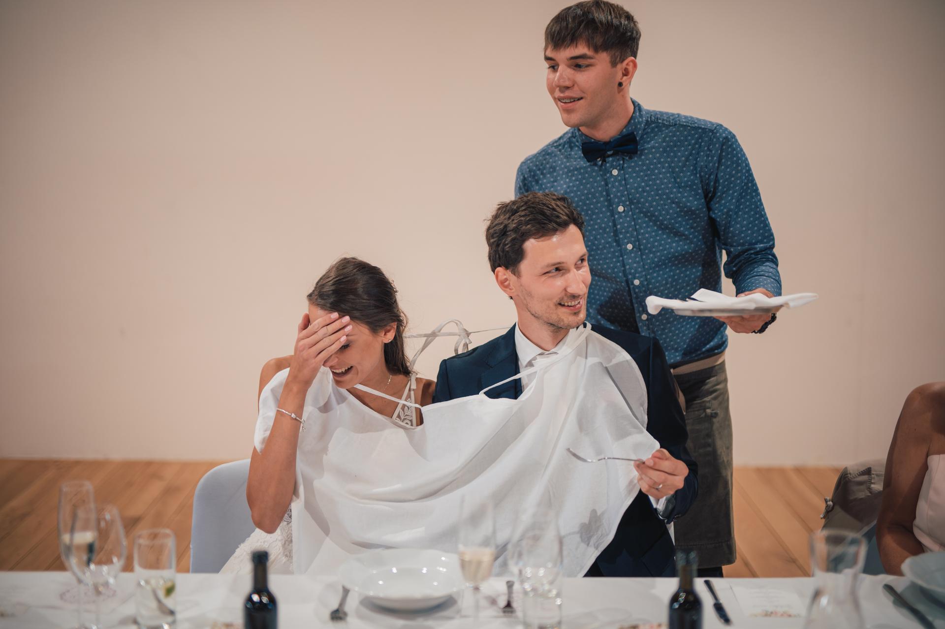 Další fotky z naší svatby - Vidlička, jasně! :D