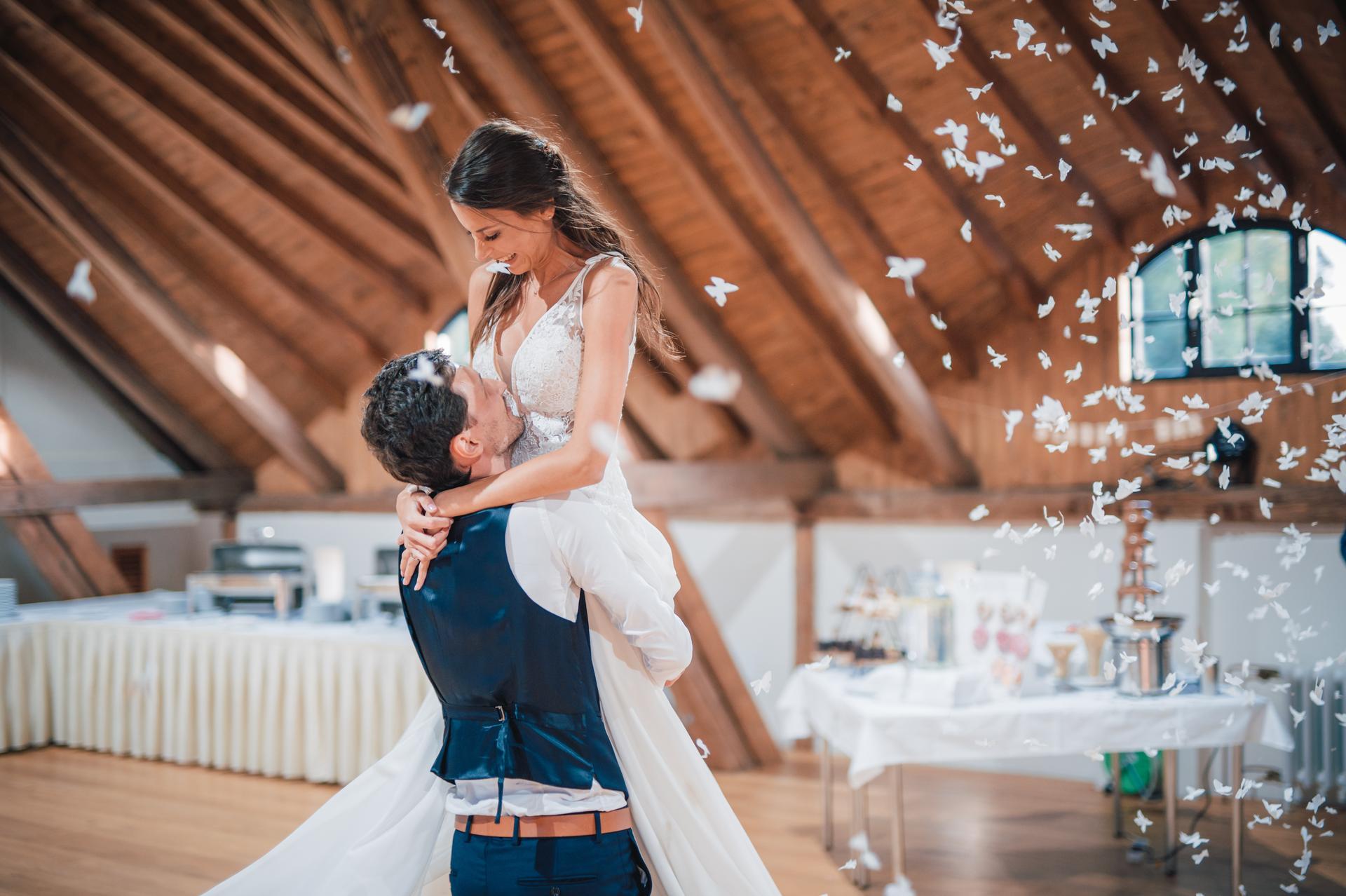Další fotky z naší svatby - Obrázek č. 31