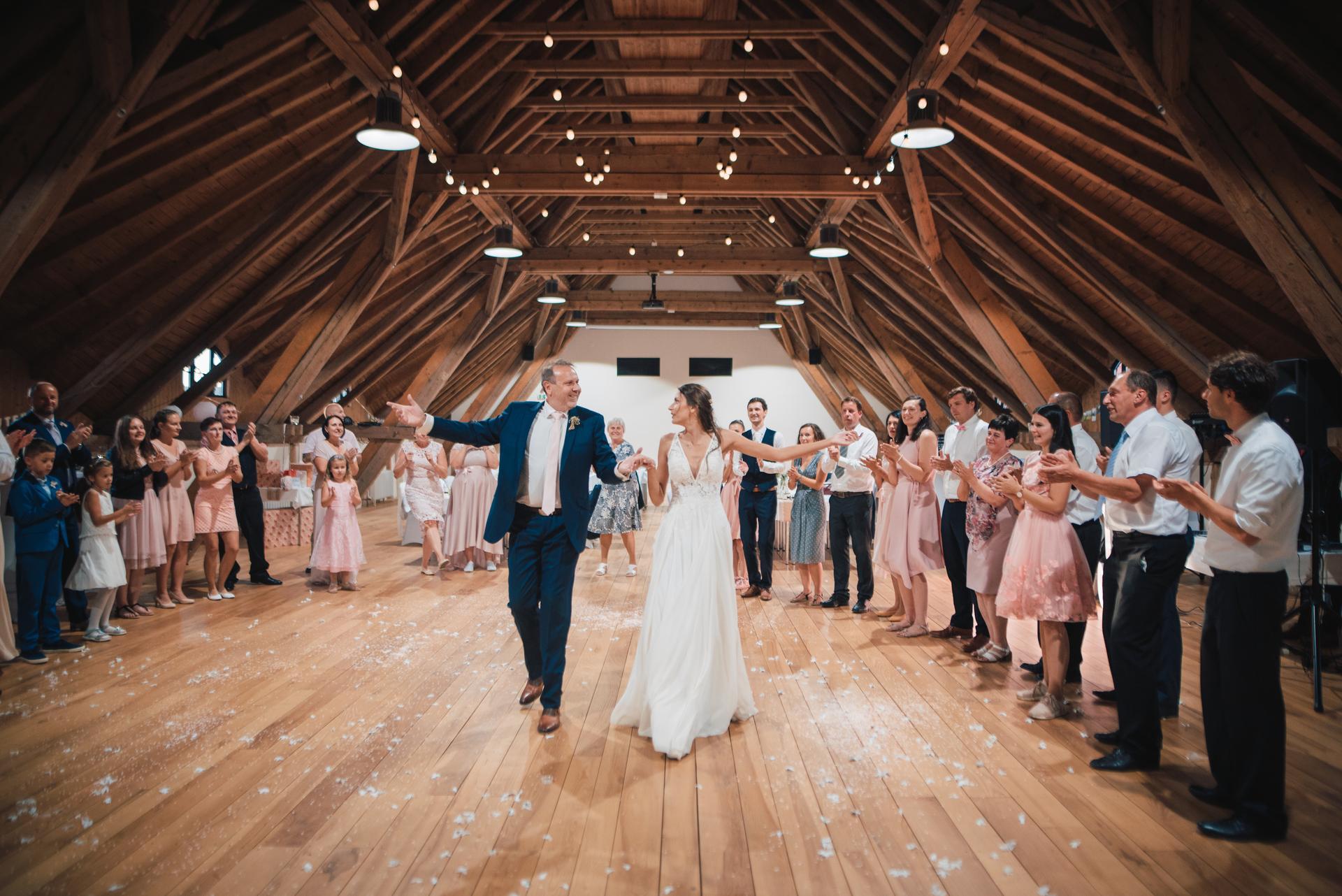 Další fotky z naší svatby - Obrázek č. 34
