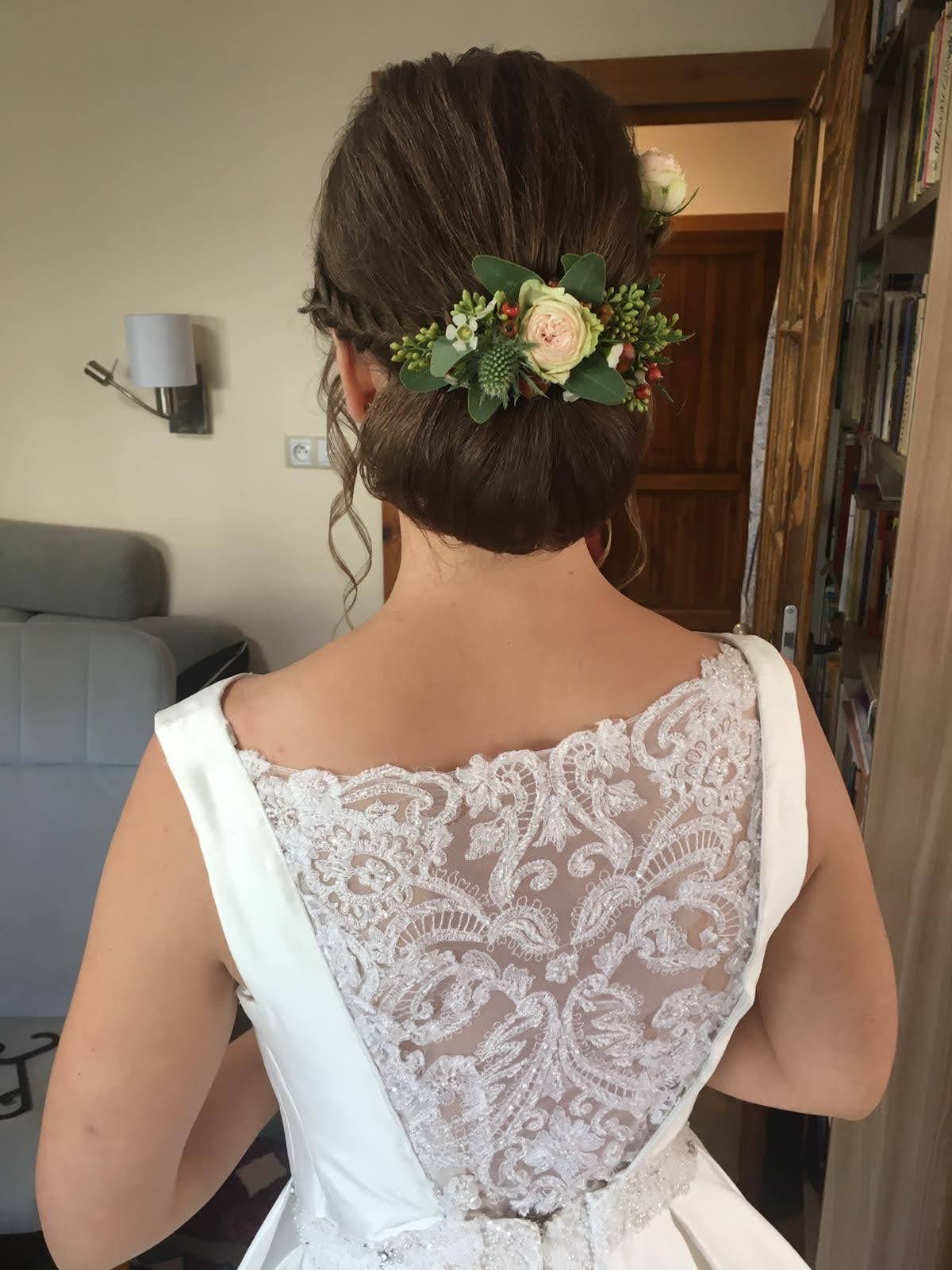 Prodám saténové ivory svatební šaty - Obrázek č. 1